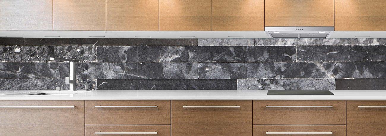 crédence briques marbre noir