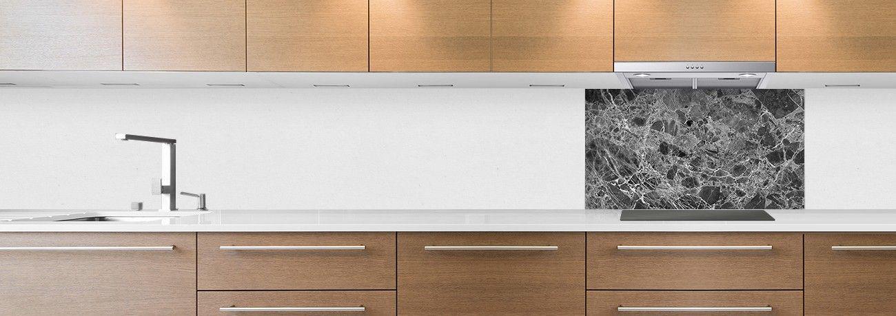 crédence de cuisine sur mesure crédence marbre noir hotte