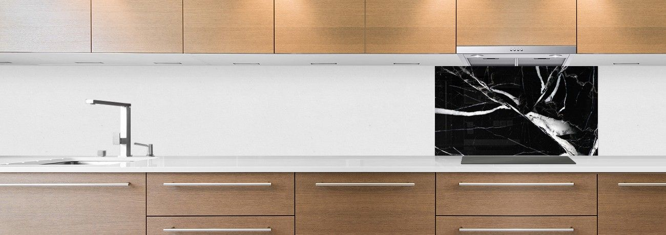 Cr dence de cuisine sur mesure cr dence marbre noir blanc hotte - Credence cuisine noir et blanc ...