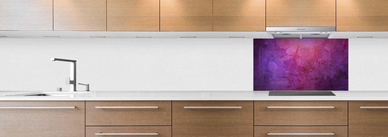 crédence de cuisine sur mesure crédence peinture violette hotte